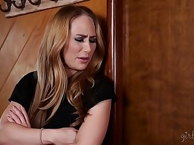 Helping my roommate's asshole! - Carter Cruise, Luna Star